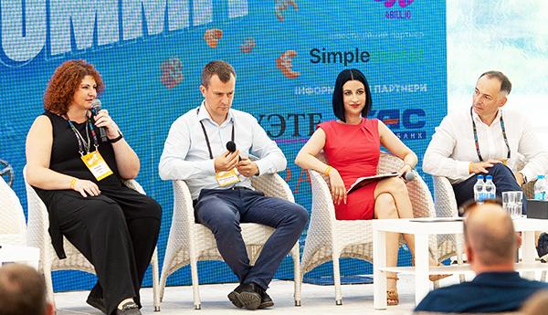 Компанія CCloan на MFO Summit 2021: нагороди, досягнення та плани